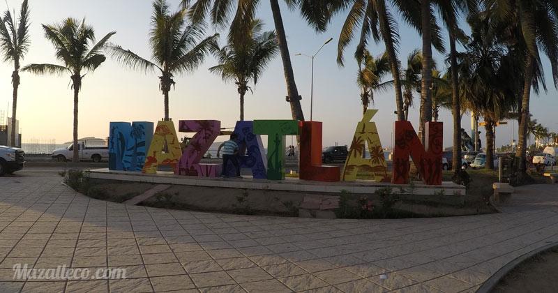 Letras de Mazatlan parque martiniano carvajal