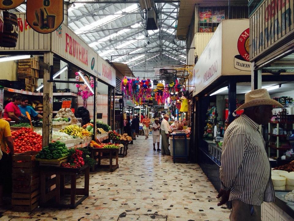 Interior Mercado Pino Suarez